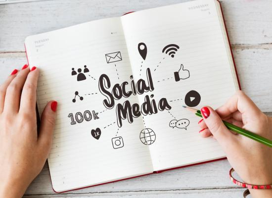 social media ideas notepad